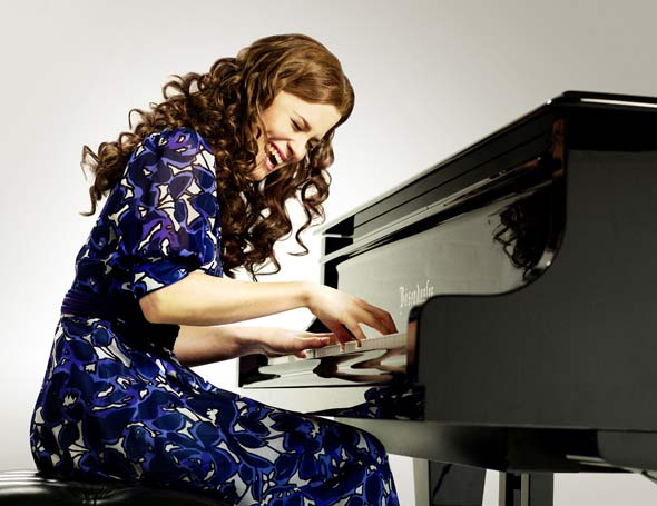 Katie Brayben as Carole King. Photo by Uli Weber