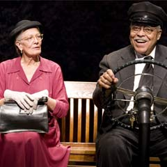 Vanessa Redgrave and James Earl Jones in the Broadway production of Driving Miss Daisy