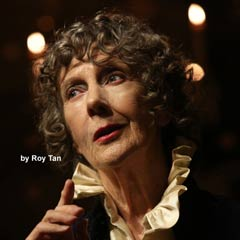 Ellen Terry with Eileen Atkins at the Sam Wanamaker Playhouse. Photo: Roy Tan
