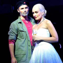 Marti Pellow as Che and Madalena Alberto as Evita