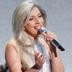Lady Gaga performs Sound of Music tribute at 2015 Oscars