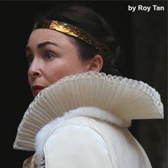 Samantha Spiro in Macbeth at Shakespeare's Globe. Photo: Roy Tan