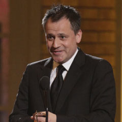 Michael Grandage accepting his 2010 Tony Award for Red