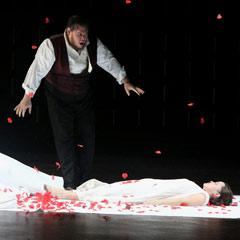 Rigoletto at the London Coliseum. Photo: Roy Tan