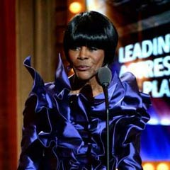 Cicely Tyson picks up her award for The Trip to Bountiful